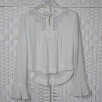 China Hollow Lace Casual White Chiffon Blouse Long Sleeves For Young Ladies for sale