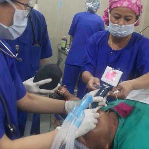 60 Degree Intubation Video Laryngoscope , Anesthesia Video Laryngoscope IPX7 Waterproof
