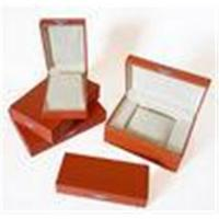 China Customized Wood or cardboard gift box packaging with Embossing Logo for jewellery for sale