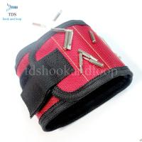 China Oxford Fabric Magnetic Tool Wristband / Adjustable Wrist Strap For Holding Screws on sale