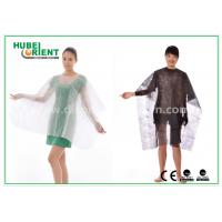 China Polypropylene Soft Disposable Nonwoven Hair Cutting Cape with Velcro Closure on sale