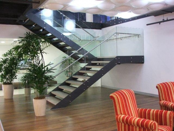 Quality Material: stair frame: Lacquered carbon steel; Glass stair railing; wooden stair treads; SS Handrail for sale