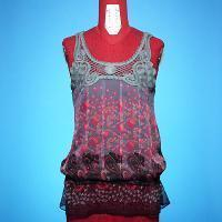 Ladies Top Ladies' woven top