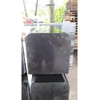 China Hainan Black Basalt Kerbstone for sale